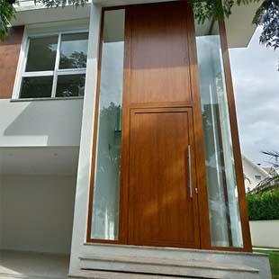 Entenda como empresa de portas de madeiras pode oferecer as melhores qualidades que você precisa
