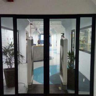 Portão de aluminio de correr valor acessível para sua obra é com a Roma Esquadrias