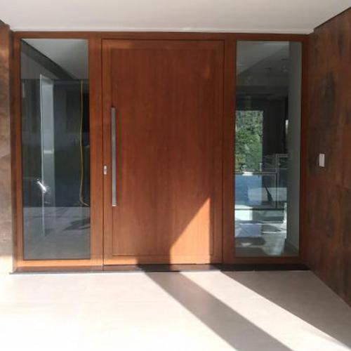 A Roma Esquadrias tem infinitas opções de portas grandes de madeira valor